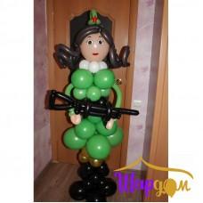 Солдатка с оружием