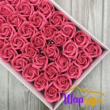 Ярко-розовый розы из мыла